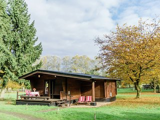 Holiday home with terrace in Südheide Nature Park for families and horse love