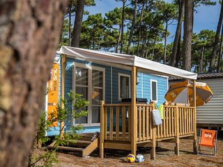 Large and luxurious campsite with water park for families on the Atlantic coast