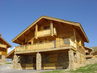 Luxury chalet with fireplace in the area of Alpe d'Huez