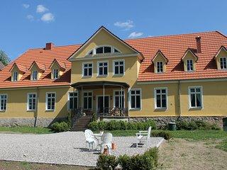 Spacious Apartment in Kröpelin with Garden
