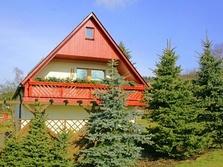 Appealing Holiday Home in Crottendorf in Ore Mountains Natural Park
