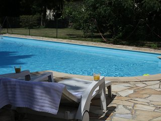 Cozy Holiday Home in Quend-Plage-les-Pins with Swimming Pool