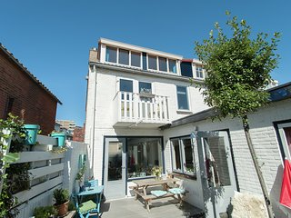 Beautiful cosy holiday home with fine terrace offering plenty of privacy in Egmo
