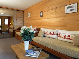 Savoyards and rustic apartment in the heart of Val d'Isere
