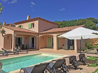 Cozy Holiday Home in le Plan-De-La-Tour With Private Pool