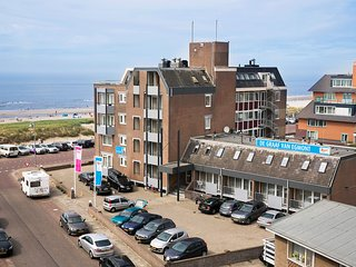 Cozy apartment on the boulevard of Egmond aan Zee
