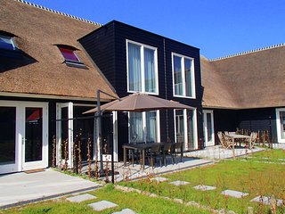 New and luxury farmhouse within short distance of the beach in Cadzand Bad.