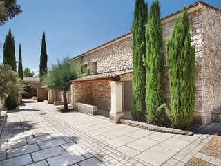 Neat holiday home with AC, 3 km. from the center of Gordes