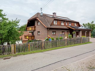 Spacious apartment in the Black Forest in a quiet residential area with private