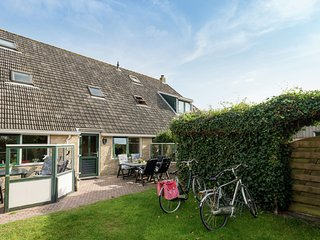 Apartment within walking distance of the beach and the dunes of Terschelling