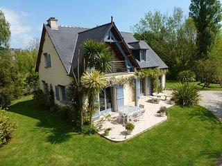 Cozy Holiday Home in Montebourg with Garden