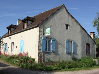 Authentic rural house with garden in central France