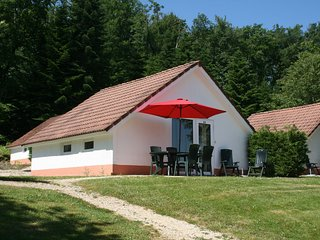 Comfortable home with terrace in a pleasant holiday village