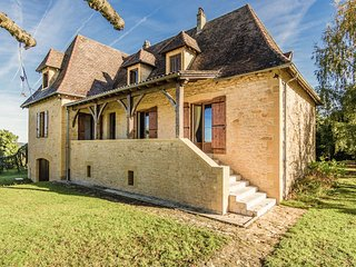 Beautiful Périgord house with marvellous view of Marquay and beautiful nature