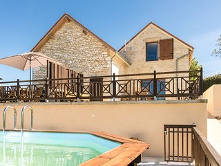 Lovely Holiday Home in Mayrac with Swimming Pool