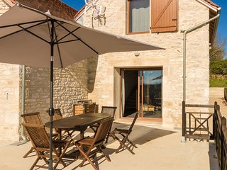 A view of the Dordogne valley from your terrace, swimming pool or jacuzzi!