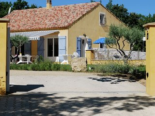 Child friendly villa with private pool and large garden near lac Sainte Croix