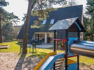 Detached villa with four bathrooms, near the Vrachelse Heide