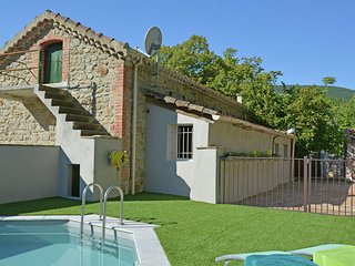 Quaint House with private pool in Molieres-sur-Ceze