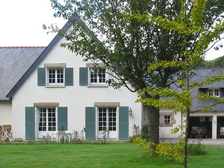 Modern Villa in Lannion with Private Garden