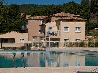 Beautiful apartment with AC, near Lac de Saint-Cassien