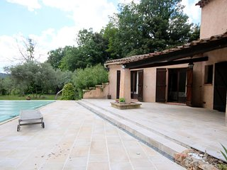 House with private pool near the beautiful village of Salernes