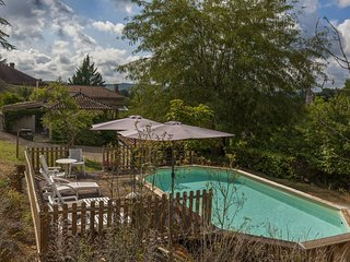 Charming holiday home in Pul-l'Eveque with private pool