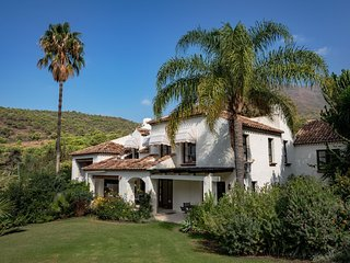 Beautiful villa with all the luxury and comfort you desire, near Estepona