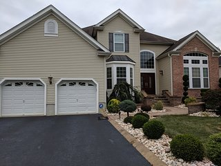 4-5 Bedrooms Beautifully Furnished House Near NYC