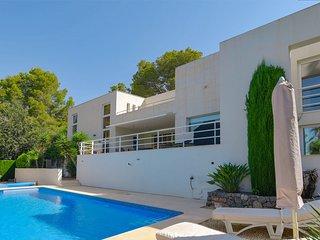 Luxurious 8 pers. villa on the Altea golf course, beautiful surroundings, fantas