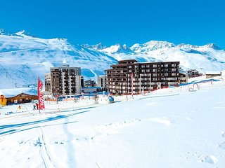 Nice apartment in a modern chalet at 250 m. from a ski lift