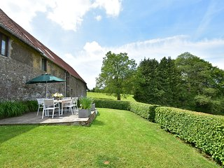 Lovely Holiday Home amidst Meadows in Sourdeval-les-Bois