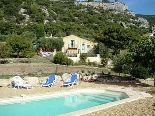 Mazet with private pool and as a backdrop a superb panorama