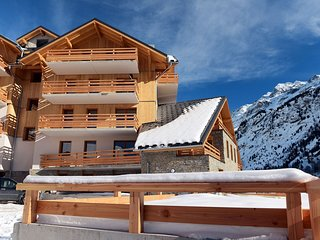 Modern apartment with a dishwasher in authentic Vaujany