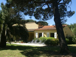 Holiday villa at the famous beach of Saint-Tropez!