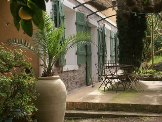 Exquisite Holiday Home by the Beach in Hyeres