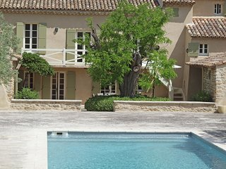 Enticing Villa With Private Swimming Pool in Oppède