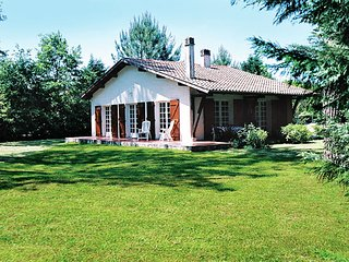 Stunning, detached holiday home near sandy beaches and a leisure lake.