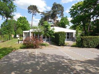 Comfortable combined bungalow near Recreatieplas Zeumeren