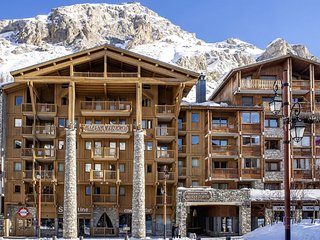 Savoyards and rustic apartment in the heart of Val d'Isère