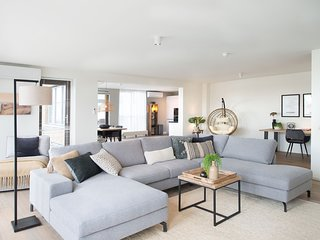 Luxury penthouse apartment with roof terrace at the harbor of Scheveningen.