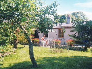 Comfortable holiday home with garden and playground equipment in beautiful walki