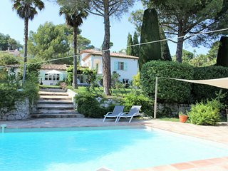 Luxury Villa in Mougins with Swimming Pool