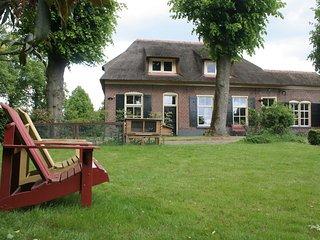 Cozy Farmhouse in Luttenberg near Forest