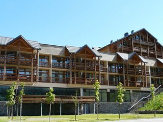 Spacious apartment with a view near the slopes of Valloire