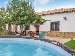 Nice home in Ronda w/ WiFi, Outdoor swimming pool and 3 Bedrooms (EAC470)