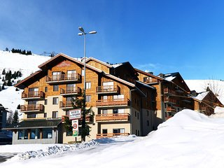 Cozy apartment with a dishwasher at 100 m. from the slopes