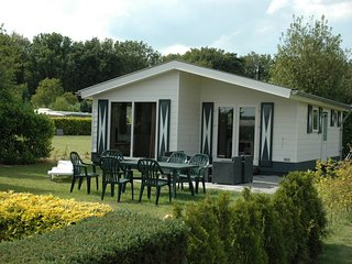 Well-furnished chalet near the Loonse and Drunense Duinen