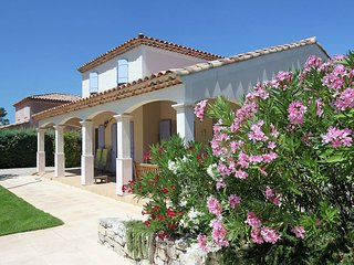 Attractive holiday villa on the Sainte Baume massif