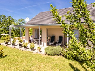 Comfortable Villa in Sioniac Limousin with Terraces